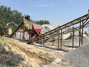 Onsite Feeding Of Large Angle Inclined Belt Conveyor