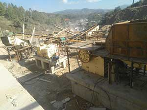 stone crusher closed cap mining heavy plant equipment